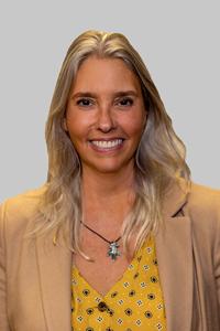 Alumni Board Member - Liz Uzzo